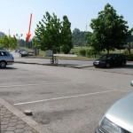 Lugares livres ao lado da Loja do cidadão, seta a vermelho indica fotografia anterior